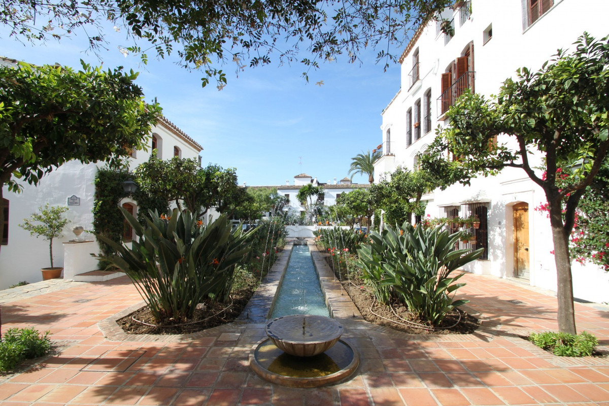 Elegant cosy one bedroom ground floor apartment situated in a privileged location on Marbella's ,Spain