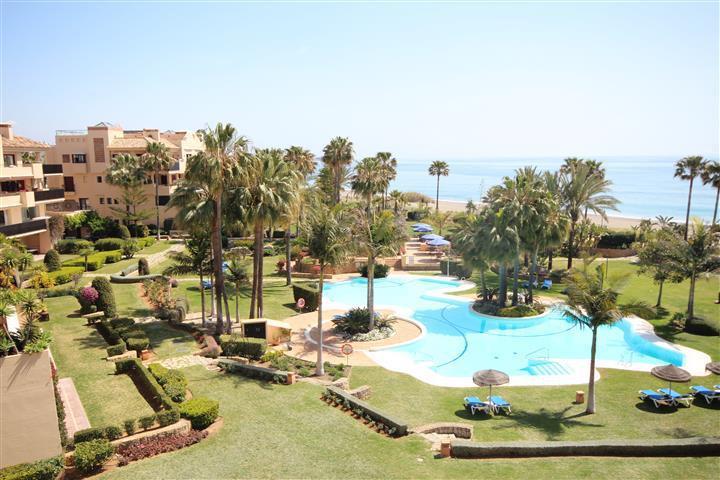Middle Floor Apartment, Costalita, Costa del Sol. 2 Bedrooms, 2 Bathrooms, Built 142 m², Terrace 30 ,Spain