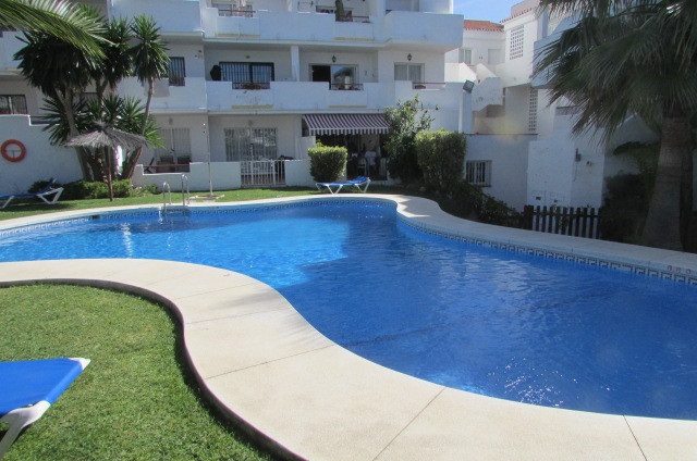 Recently reduced in price for a quick sale, this two bedroom two bath Penthouse would make an ideal ,Spain