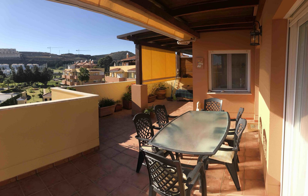 Magnificent penthouse apartment with 2 bedrooms and 2 bathrooms. Garage and storage room included.  ,Spain