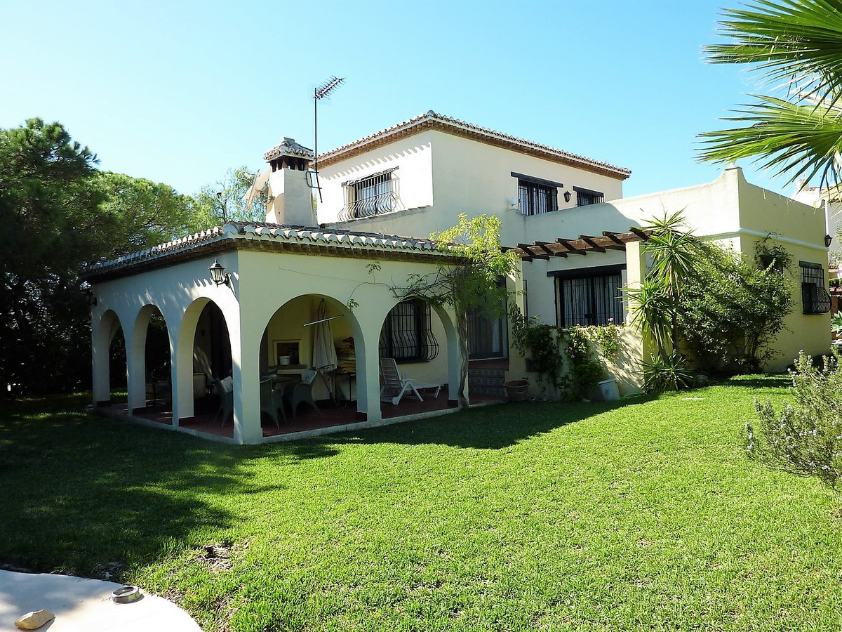 Detached villa in the lower part of Calahonda, next to a shopping center offering a supermarket, a b,Spain