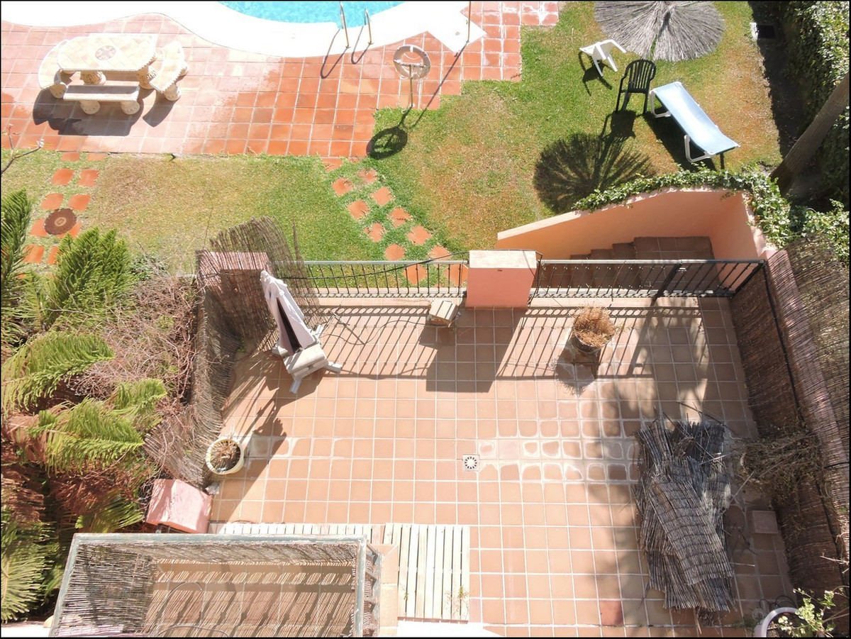 Corner townhouse with three bedrooms – Fantastic, large and modern, fully furnished.  Quiet urbanisa,Spain