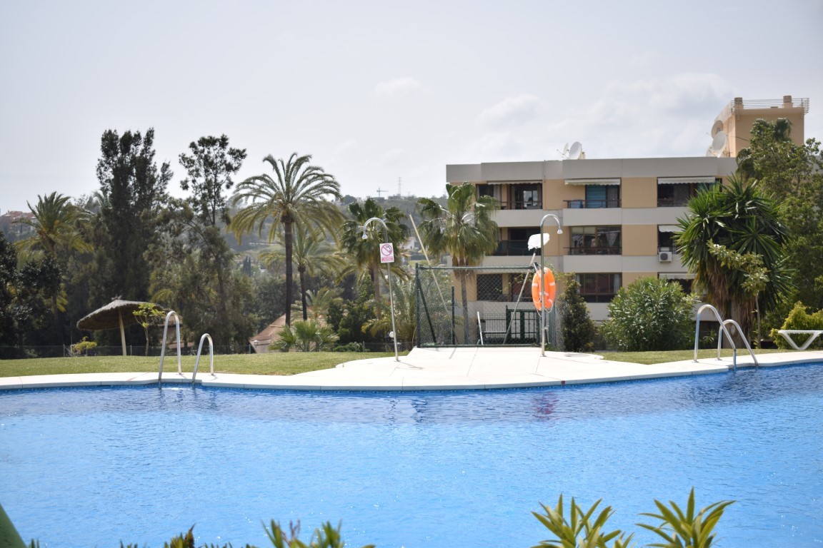 Opportunity in Nueva Andalucia, a few minutes walk from Puerto Banus, next to all services and surro, Spain