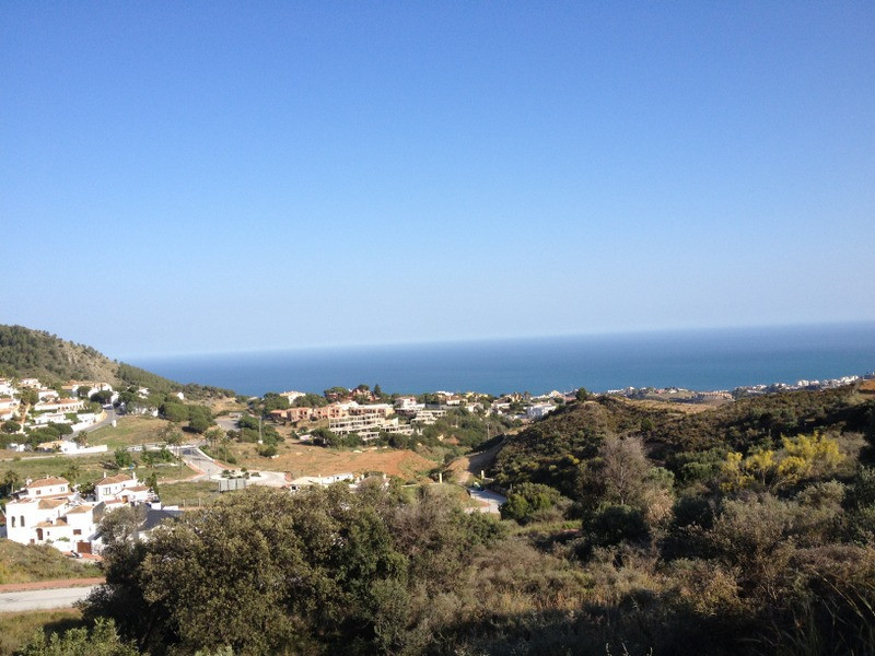 GREAT OPPORTUNITY!!! URB. BUENA VISTA . LAST 6 PLOTS URBANIZED WITH SEA VIEWS AND FUENGIROLA!!!  ZON,Spain