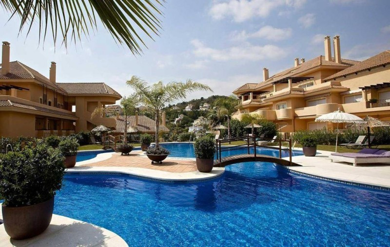 This Five Star apartment located in the Nueva Andalucia Golf Valley near Puerto Banus is light and s, Spain