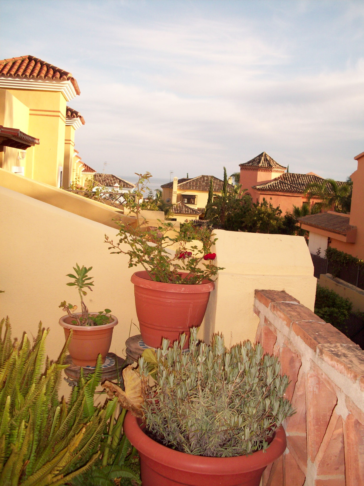 Great opportunity to purchase a charming semidetached townhouse in small residential complex in the ,Spain