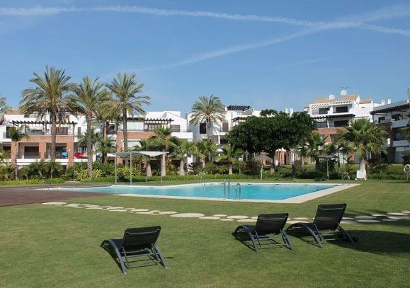 Ground Floor Apartment, Estepona, Costa del Sol. 2 Bedrooms, 2 Bathrooms, Built 105 m², Terrace 20 m, Spain