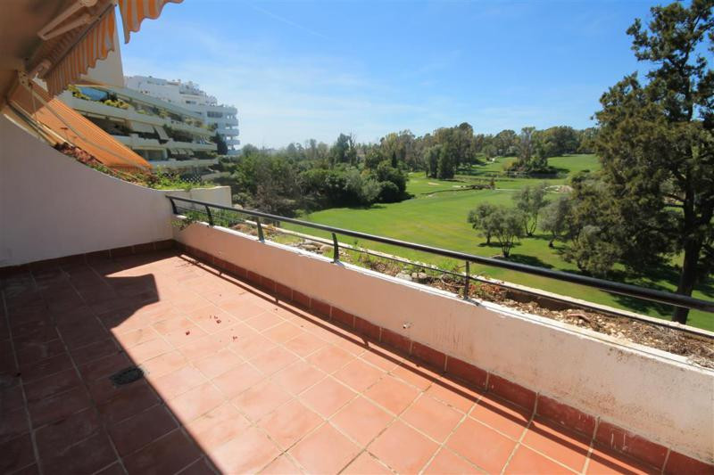 Rented for 1 year, still can be sold like investment with tenant, good payer  Middle Floor Apartment, Spain