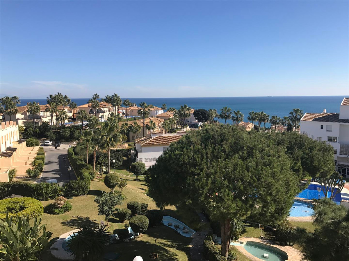 MARINA DEL SOL, CLUB LA COSTA !!!  The Club La Costa Marina del Sol Resort is designed in traditiona, Spain