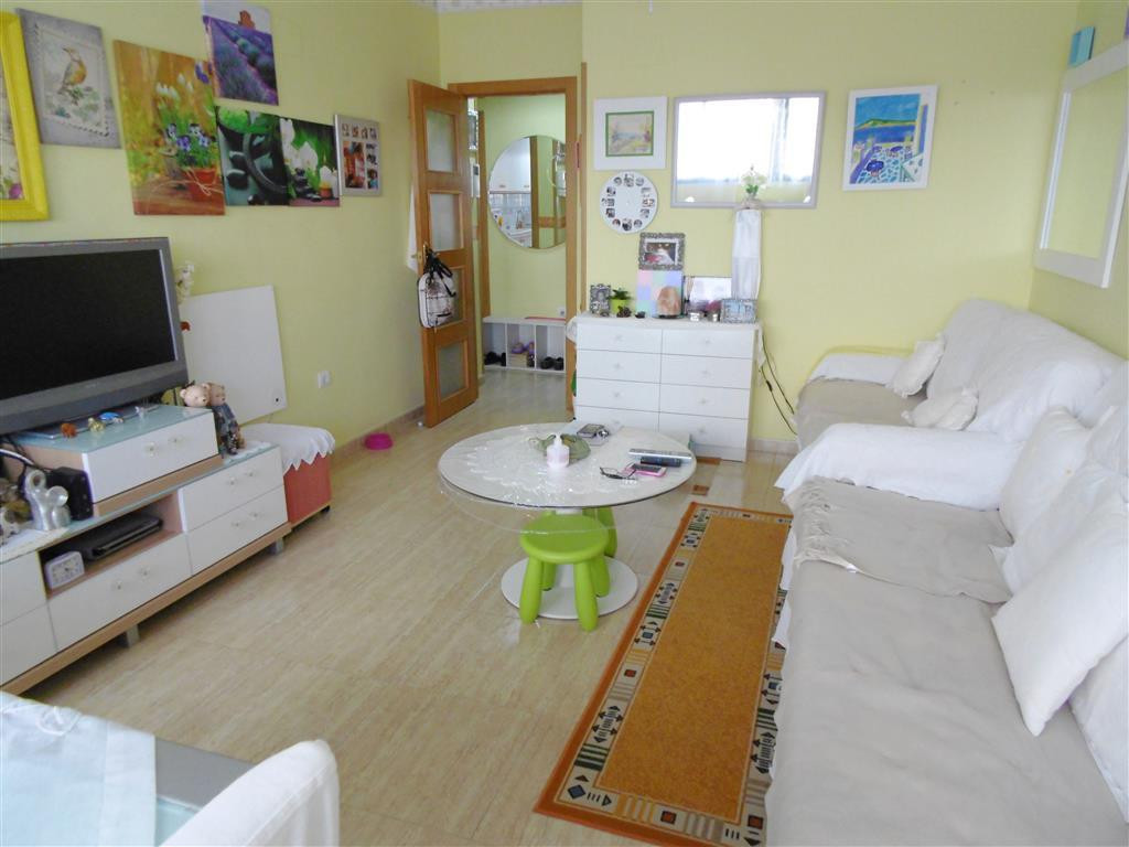3 bedroom, 2 bathroom, North-East facing middle floor apartment. This property is ideal for anybody ,Spain