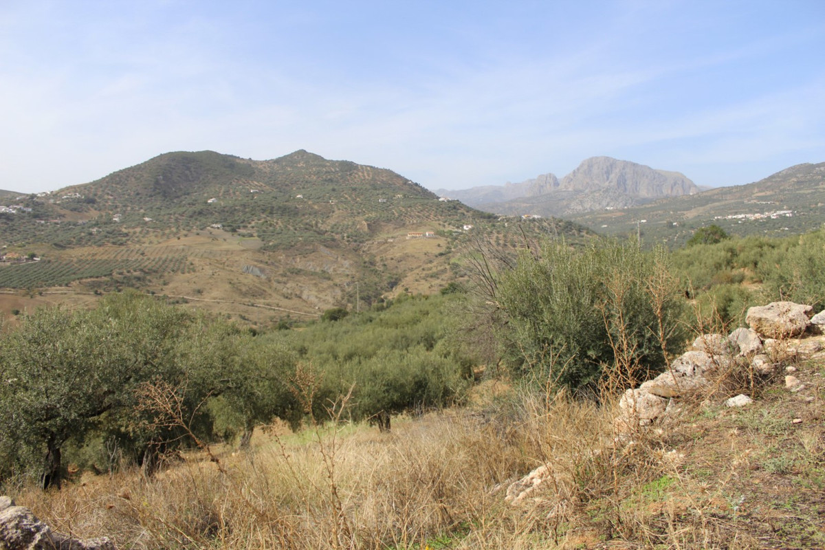 Large lot with an old ruin of approx. 80 m2 that could break down and build a new House. With panora,Spain
