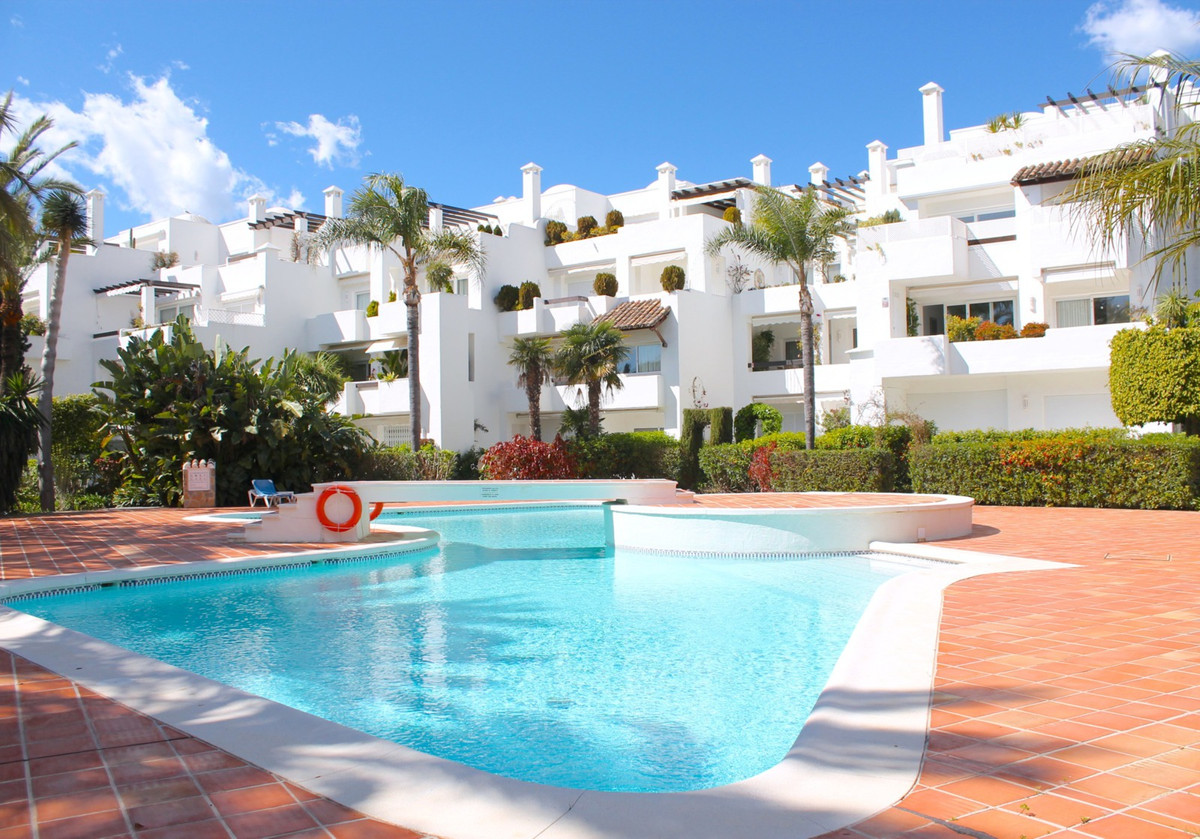 This charming 2 bedroom apartment with breathtaking views is located in a convenient beachside locat, Spain