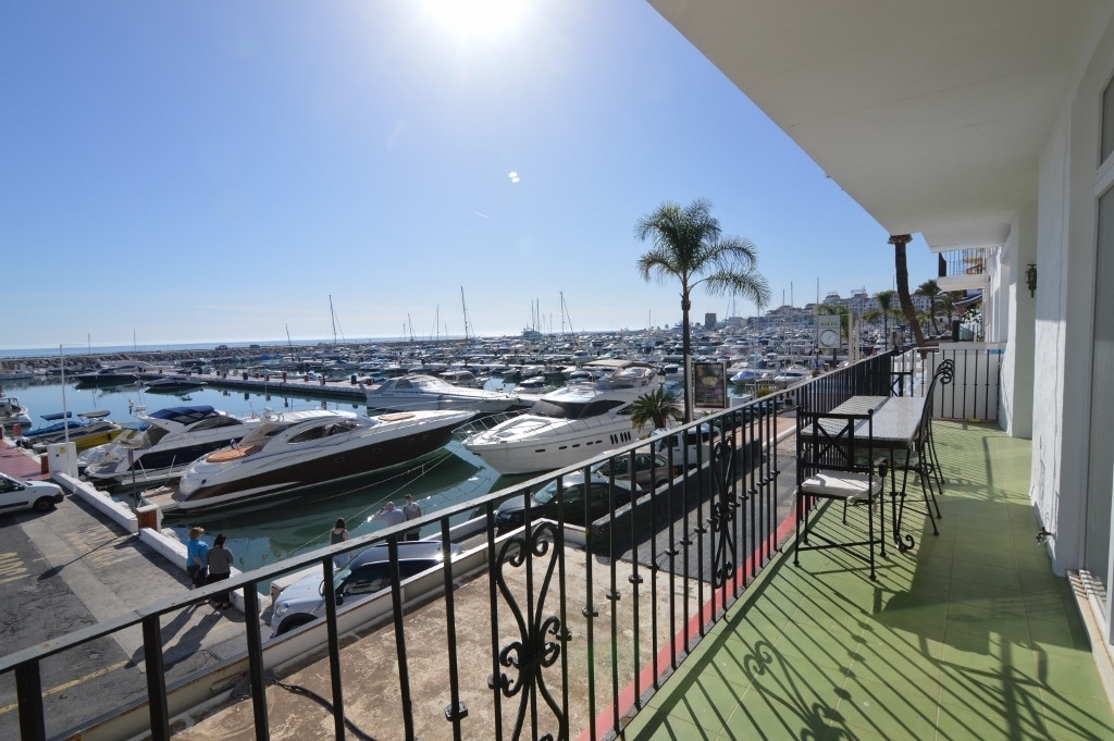 Puerto Banus, Amazing investment opporutnity in the front line of Puerto Banus, a truly rare opportu, Spain