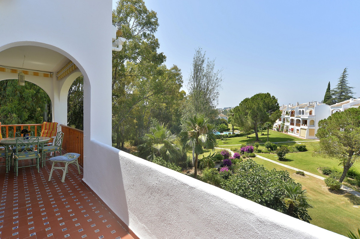 Large corner penthouse with southwest facing. 2nd floor without elevator. Exclusive complex of only ,Spain