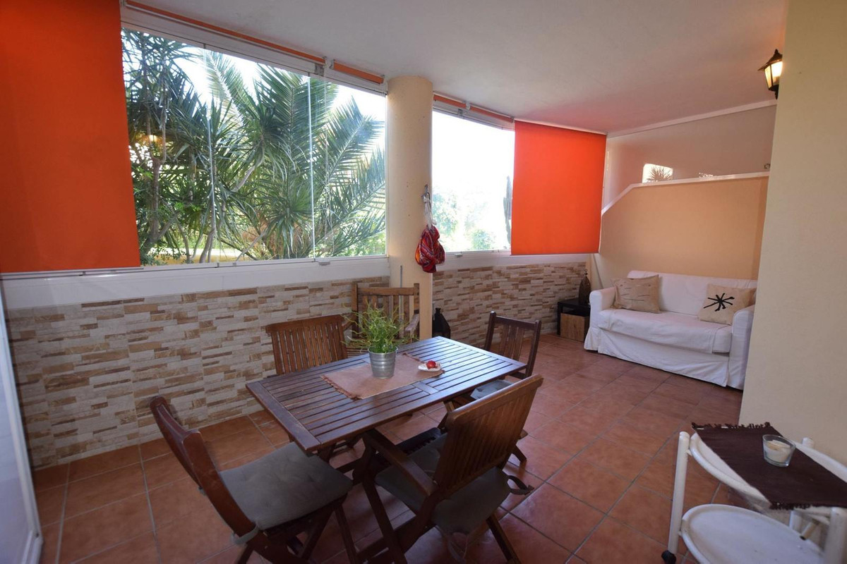 Ground Floor Apartment located in the higher part of Torreblanca, not walking distance to amenities , Spain