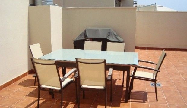 4 Bedroom, 2 Bathroom Townhouse, Partly furnished, Sea Views, Large terrace, Private garden, Garage,, Spain