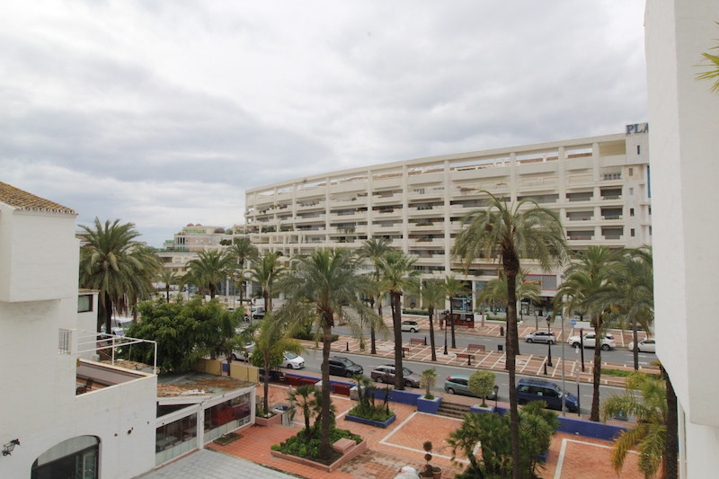Great central location in the centre of Puerto Banus with easy access to the port and shops. The apa, Spain