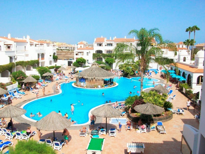 Great 1 bedroom apartment on a fabulous resort. This property is 4 minutes walk from the beach. Loca, Spain