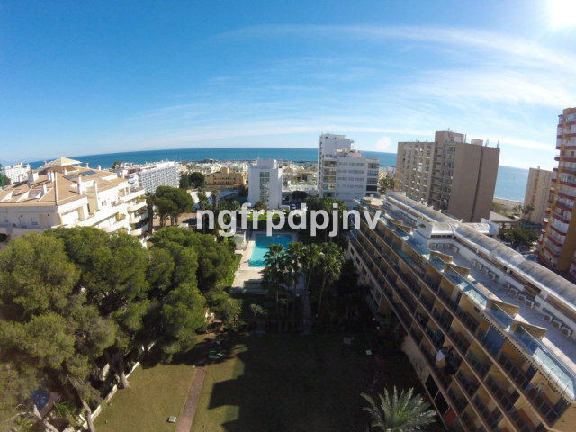 Top floor 2 bed apartment with beautiful sea views, a few minutes to the beach and  Puerto Marina, w,Spain