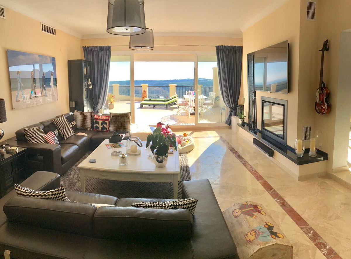 Fabulous, luxury, 3 bedroom penthouse located close to the San Roque Club. This property has an amaz,Spain