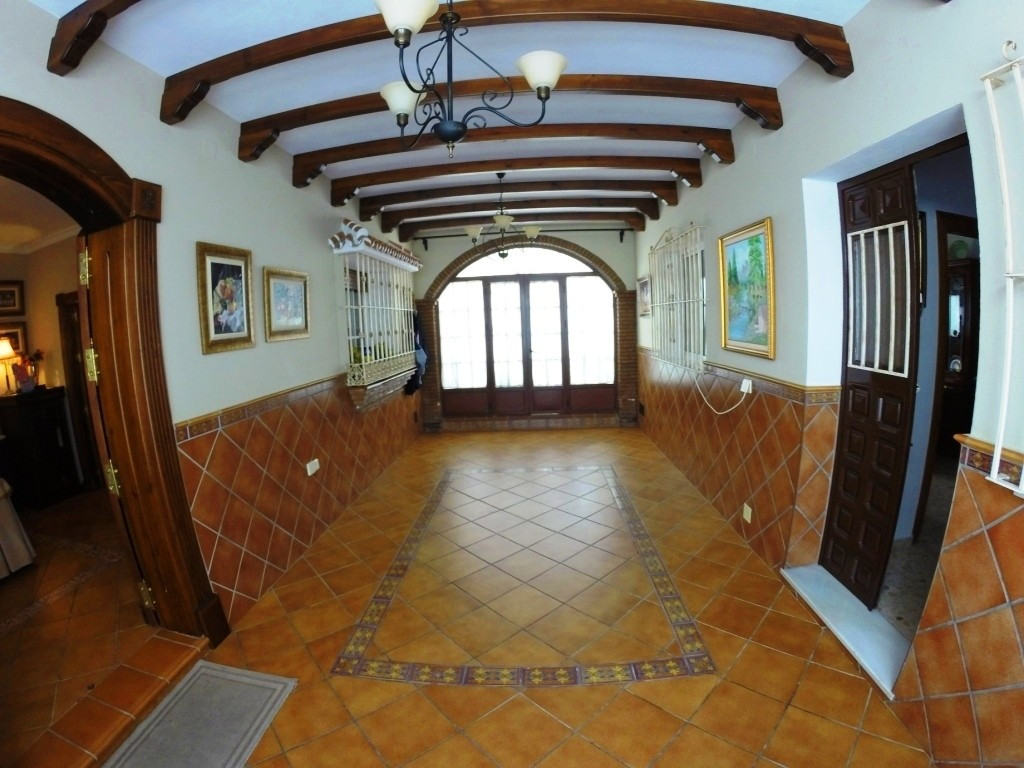 A great town house consisting of two properties  with   same  entrance but completely independent; r, Spain