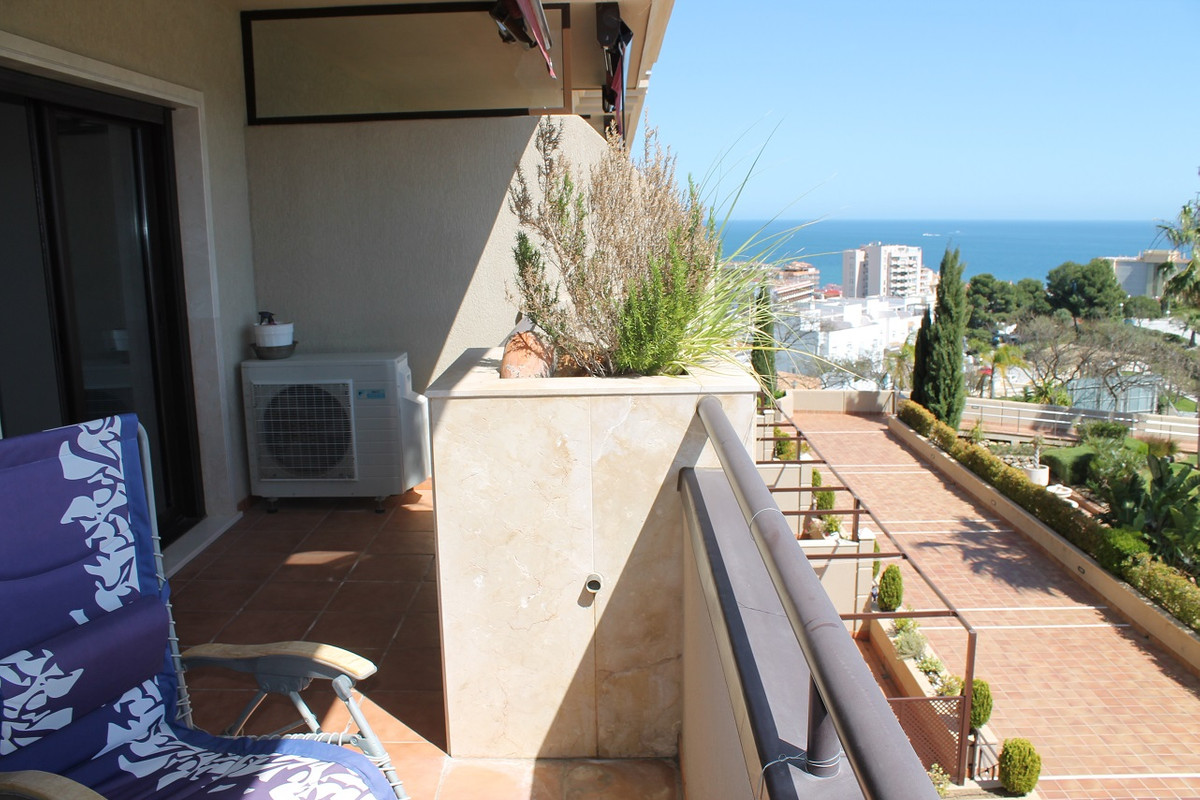 Luxury apartment in torreblanca, 2 bedrooms and two bathrooms. Separate kitchen furnished with first,Spain