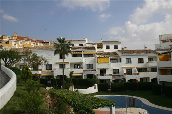 Located in an attractive pueblo style urbanisation on the coast of Benalmadena.  Spacious rooms and , Spain