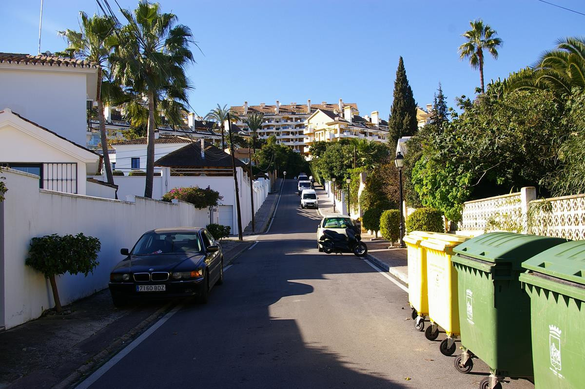 Rare chance to acquire a large plot close to Centro Plaza and Puerto Banus with a licence to build 1, Spain