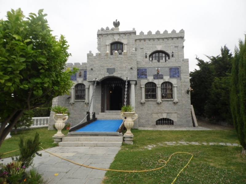 """That say that """"An Englishman's home is his Castle"""". Well, you neither have to be Engli,Spain"""