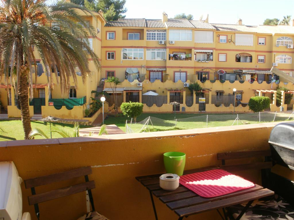 A west facing top floor apartment overlooking the communal pool and gardens in Cerros de Aguila.  Th,Spain