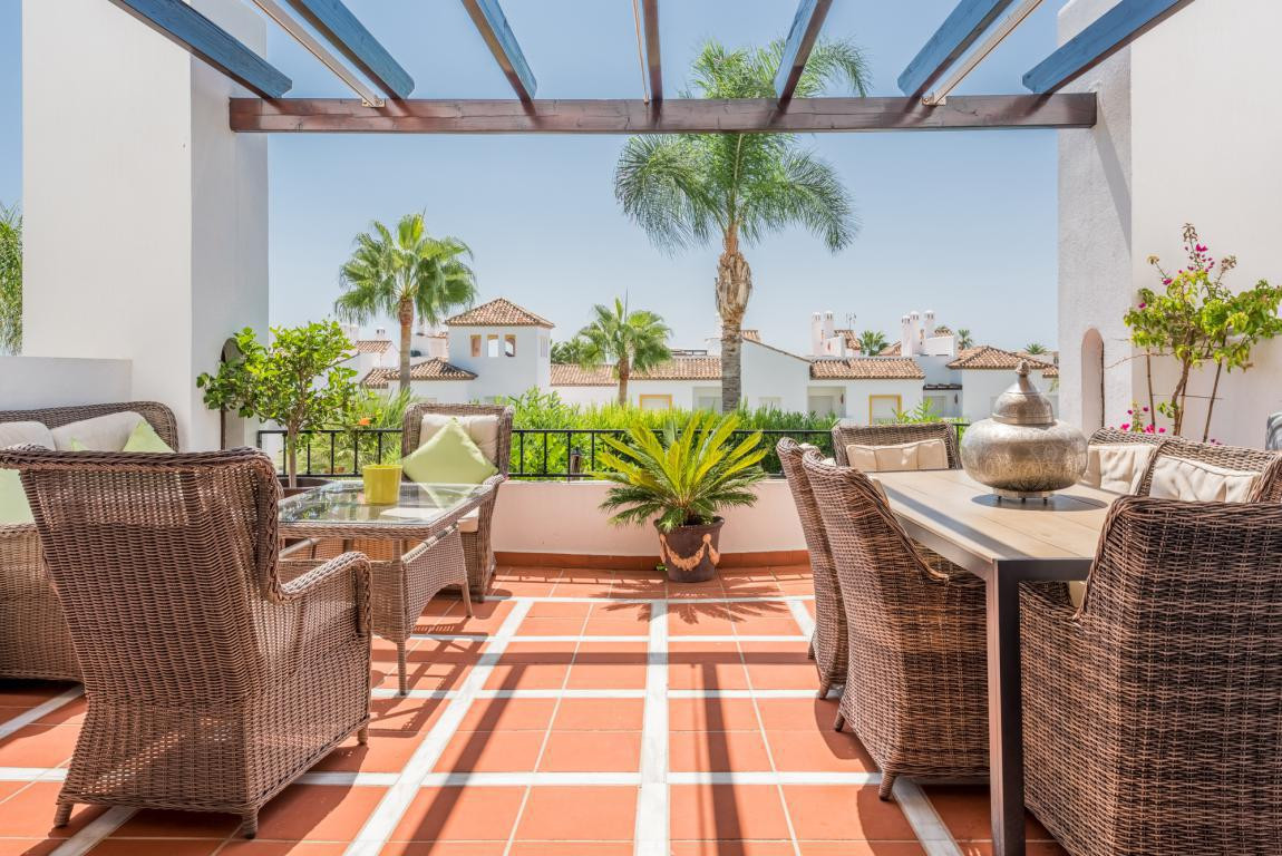 Large corner town house in immaculate condition and situated in the popular complex of Last Green. T, Spain