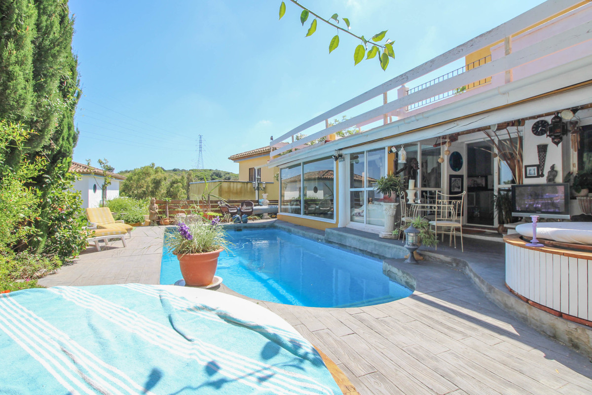 ****************Attention Golf Lovers******************* A truly unique villa overlooking the first ,Spain