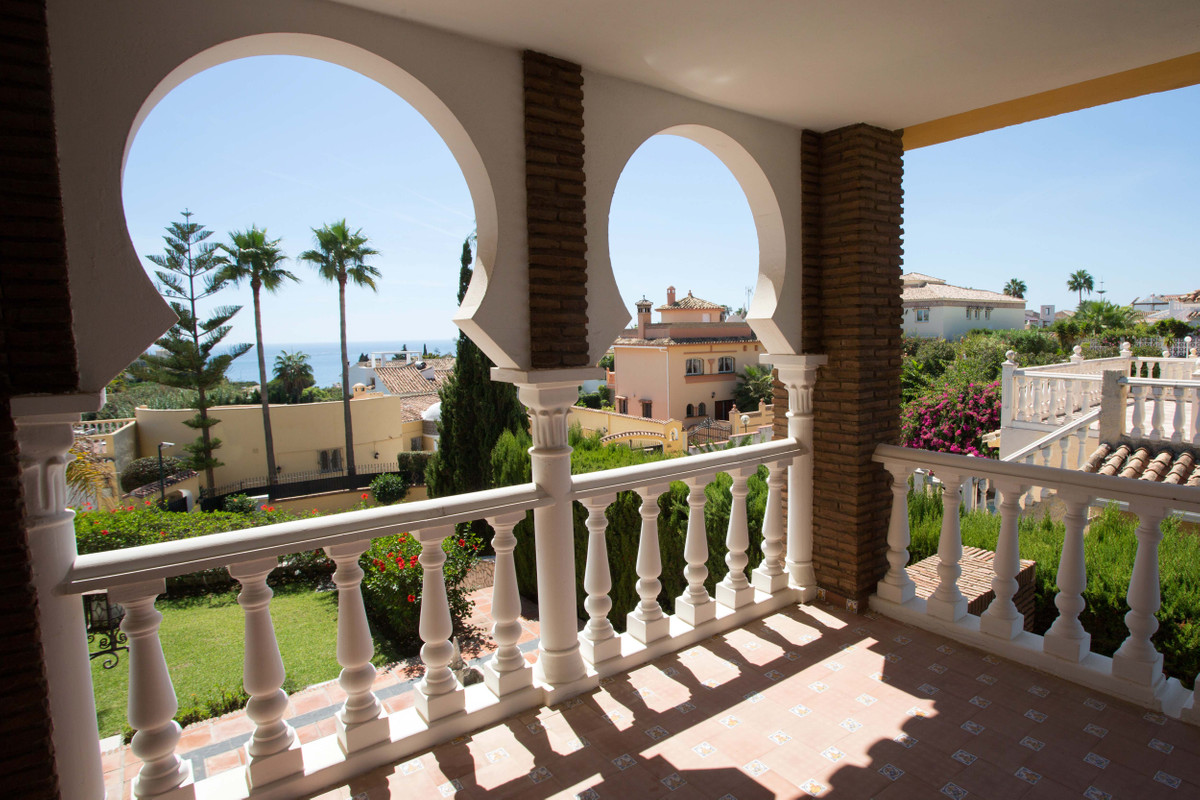This villa is ideal to coexist in family or among friends in a charming environment and with very mu, Spain
