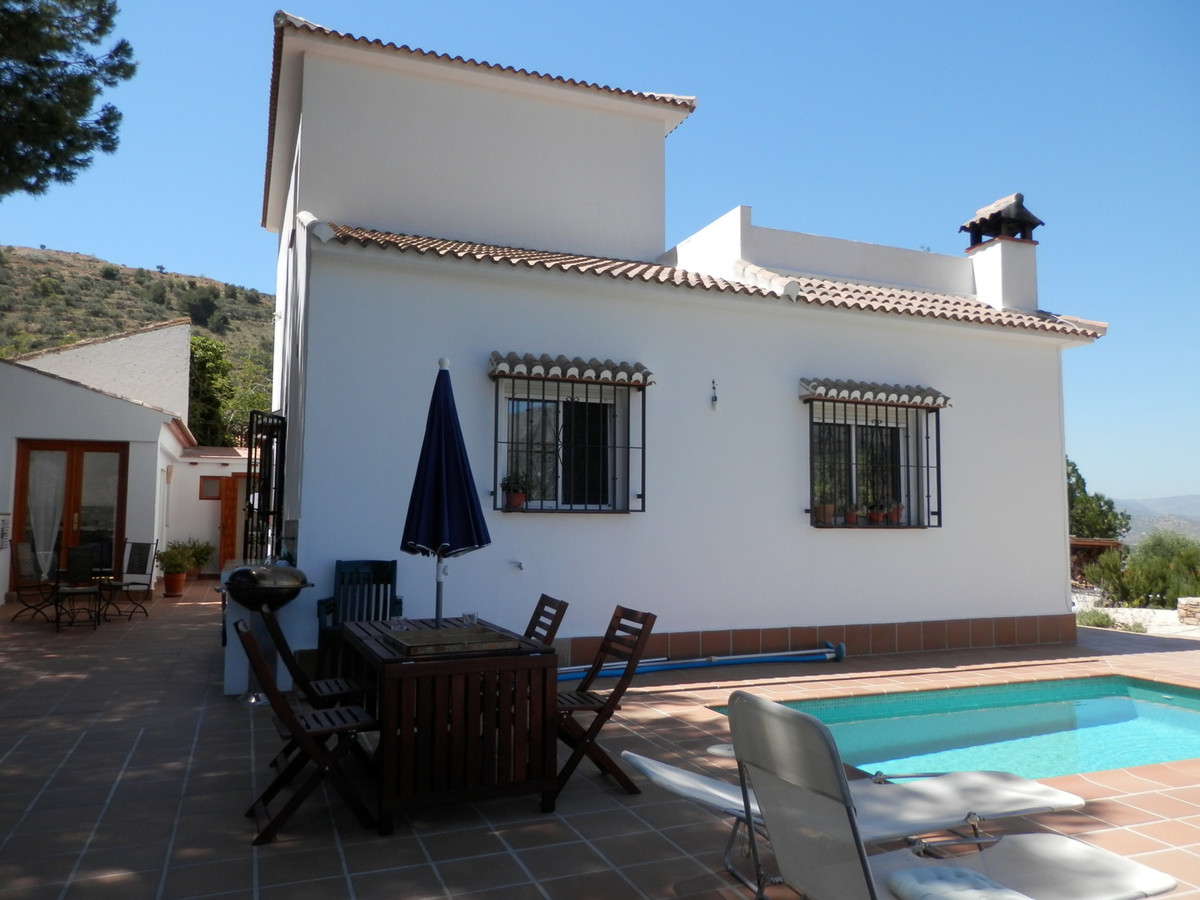 Beautiful villa located near the village of Alcaucin. The main accommodation comprises downstairs a ,Spain