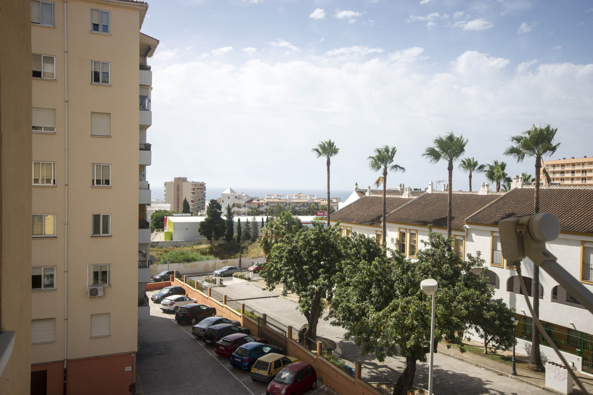 An excellent residential property close to all amenities with sea views and very low running costs. , Spain