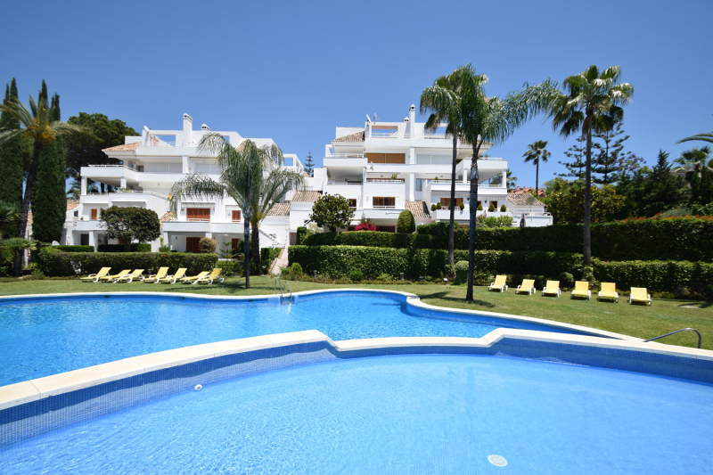 Totally refurbished apartment in Los Alcores del Golf, an urbanization on the first line of golf Los,Spain