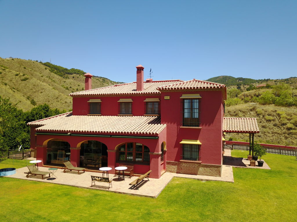 Fine Spanish country house situated on approximately 23 acres of land. Ten minutes from the center o,Spain