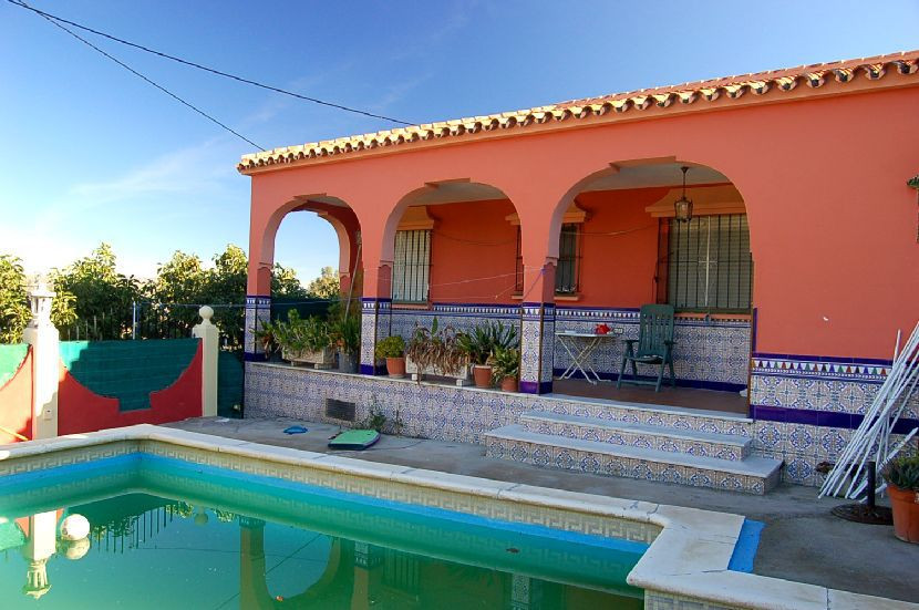 Located in a quiet country setting about 10 minutes from Coin, the finca has good access to the main,Spain