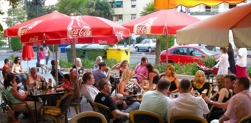 An opportunity to buy one of Marbella's most popular bars. The owner of more than 10 years is no,Spain