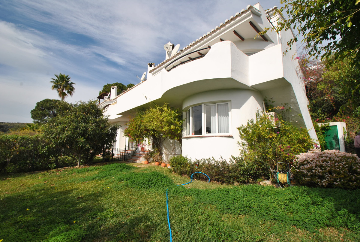 A beautiful house situated in a popular part of Calahonda with unparalleled panoramic sea and countr,Spain