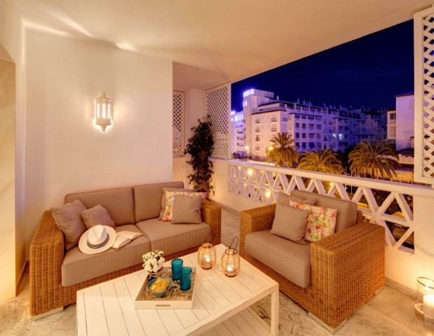 Amazing property in Puerto Banus. Lovely layout, espacios living room, the property comprises. hall , Spain