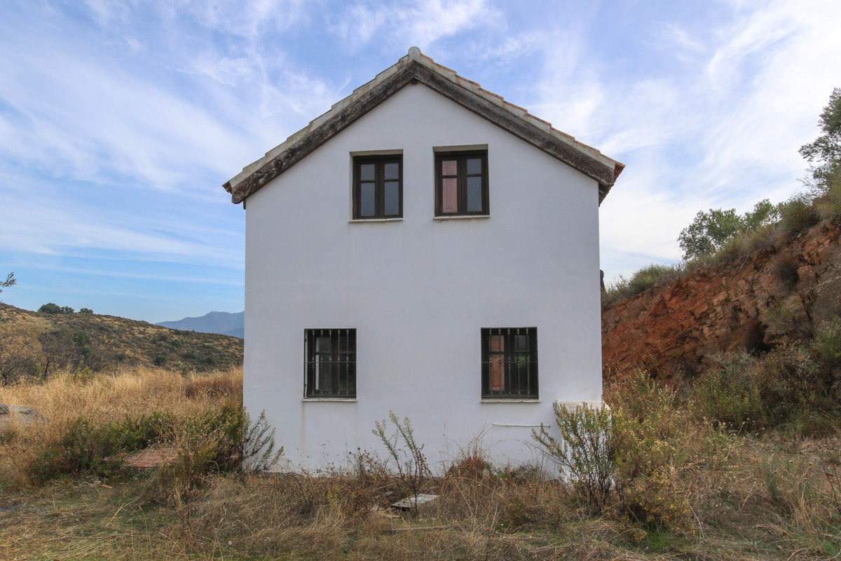 Country Retreat  .Private .Amazing Views .Lock and level  This country finca is a little gem of anda,Spain