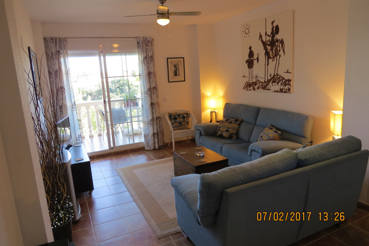 Lovely modern stylish 2 bedroom 1 bathroom apartment with pool and community parking,  large Balcony,Spain
