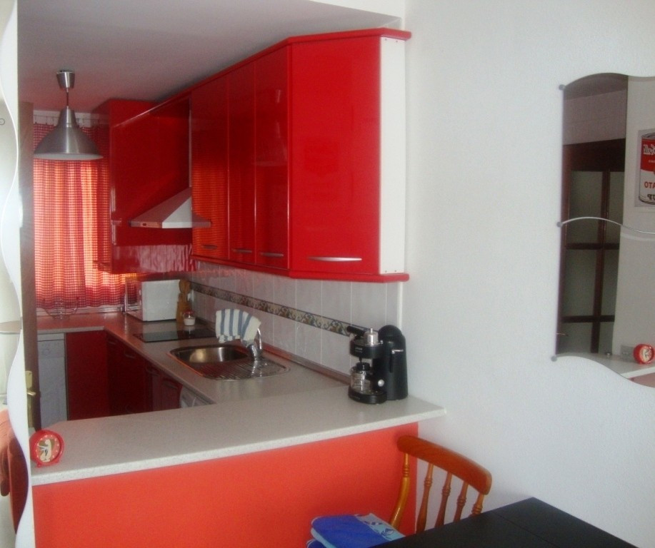 For sale a cute apartement very close to the beach on a second floor with elevator.  It  consists of,Spain