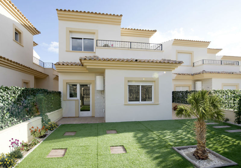 These villas are  within walking distance to the typically Spanish village of Aigues. Offering luxur, Spain
