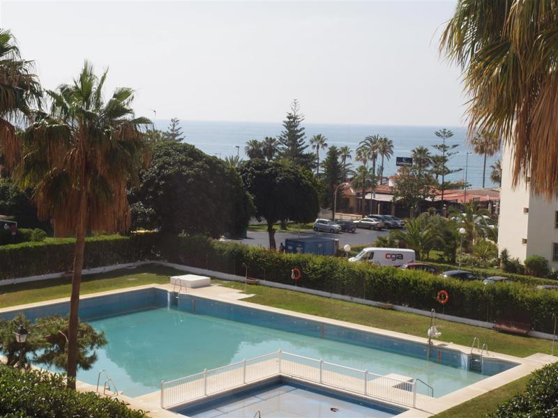 Magnificent apartment in Torrox Costa with sea views, overlooking the pool and garden. Fully furnish, Spain