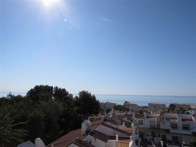 Originally listed for 140,000� and recently reduced to 138,300�.  Beautiful duplex apartment with tw,Spain