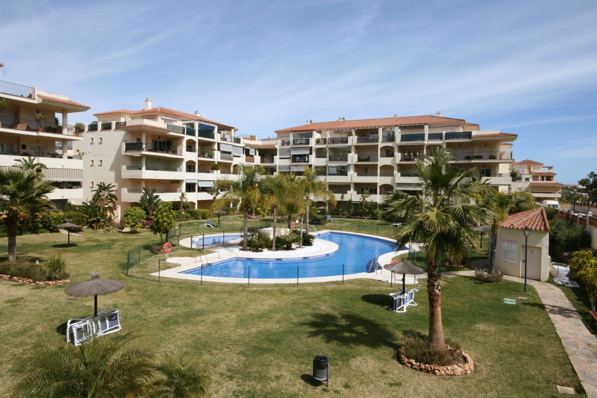 This south west facing, corner 3 bedroom apartment in La Cala Hills offers outstanding value for mon,Spain