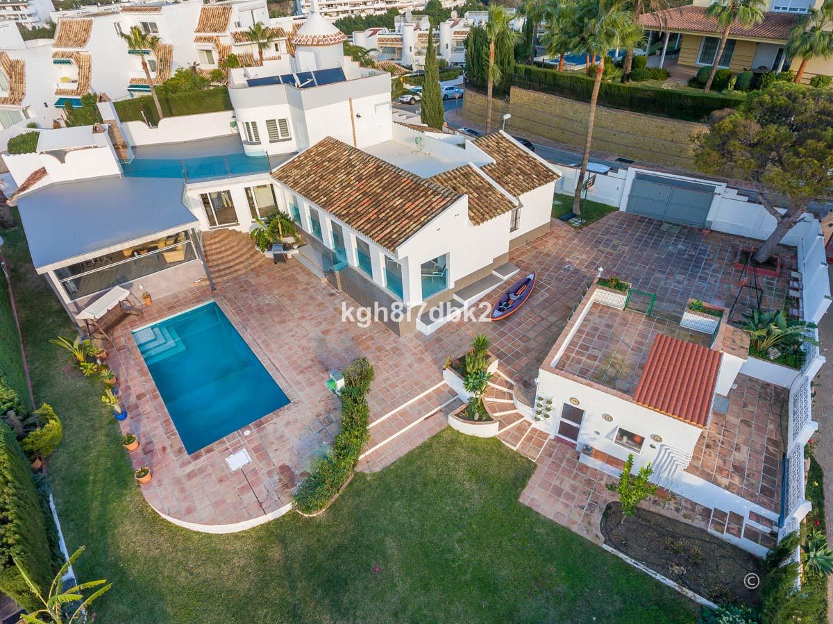 South west facing villa with parcial sea views in the exclusive urbanisation Hacienda de Torrequebra,Spain