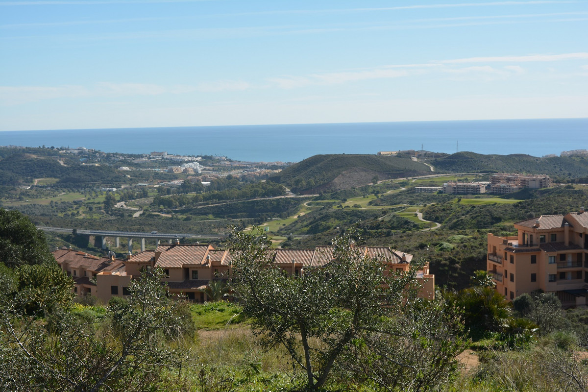 This is a spectacular 360 degrees panoramic plot overlooking the 18 hole Calanova golf course . The ,Spain